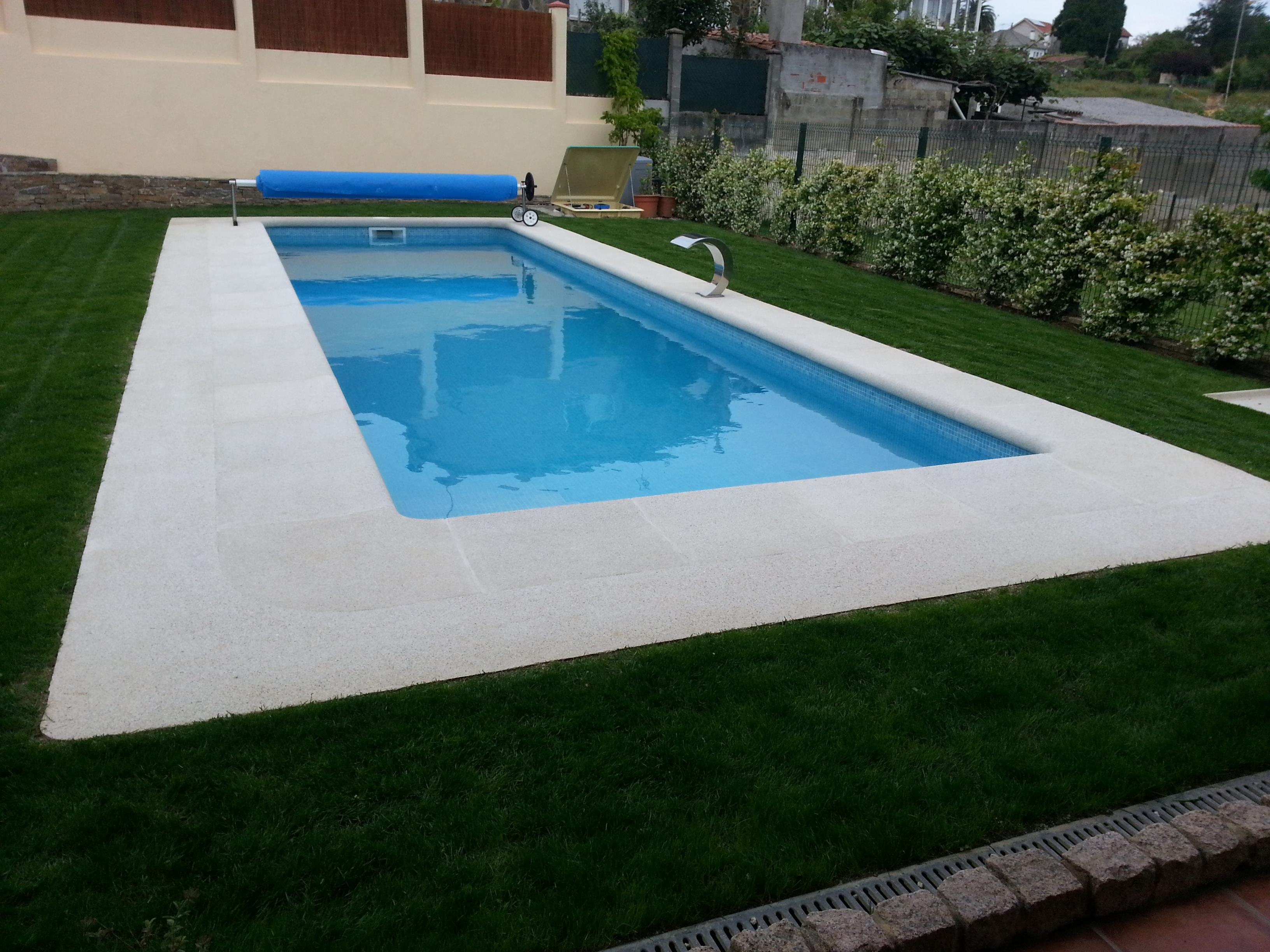 Ver galer a piscinas hormig n exteriores aguasport piscinas for Piscinas de plastico precios